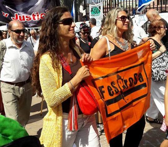 En la ronda de las Madres de Plaza de Mayo, acompañando a los despedidos del Posadas
