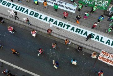 Jornada de protesta frente a la sede local de Gobernación
