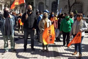 Protesta por paritarias y contra las sumas en negro